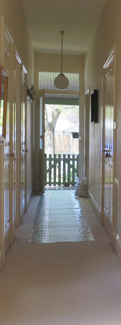 Magnolia Cottage - Hallway